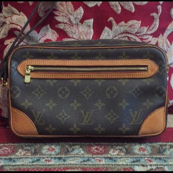 Louis Vuitton Handbags - EUC Authentic LV Large Wristlet/Clutch